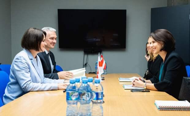Тихановская обсудила с министром по делам ЕС Австрии проекты реформ в Беларуси