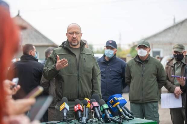 «Ничто не спасает»: экономика Украины продолжает валиться – эксперт