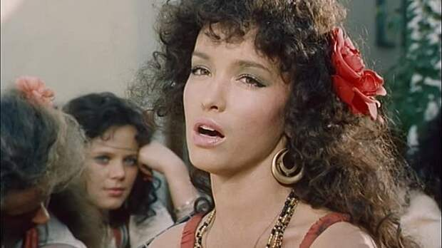 Анна Самохина: яркая и короткая жизнь главной красавицы 90-х