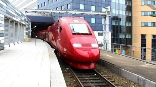 Провал грунта нарушил движение скоростных поездов на юге от Парижа