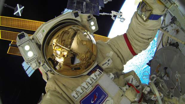 «Роскосмос» уточнил время посадки аппарата с киноэкипажем