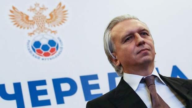 Болельщики «Ротора» обратились к Дюкову с просьбой расширить число участников...