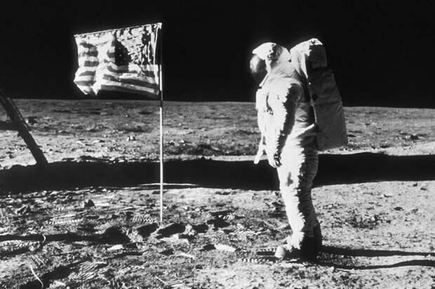 Нил Армстронг на Луне, 20.07.1969 года, Аполлон-11, не фейк