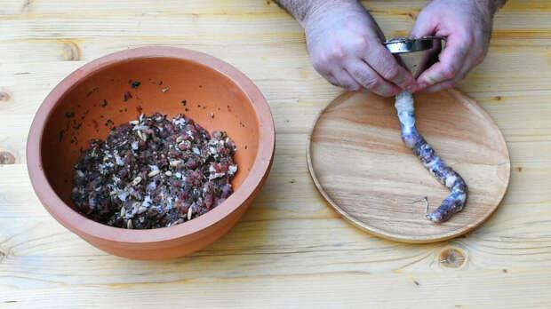 Традиционная болгарская кухня. Луканка, суджук и другие виды сушеной колбасы.