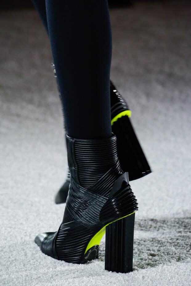 Черные короткие ботинки с толстым квадратным каблуком Balmain