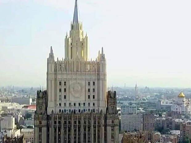 Москва высылает дипломатов посольств Латвии, Литвы и Эстонии