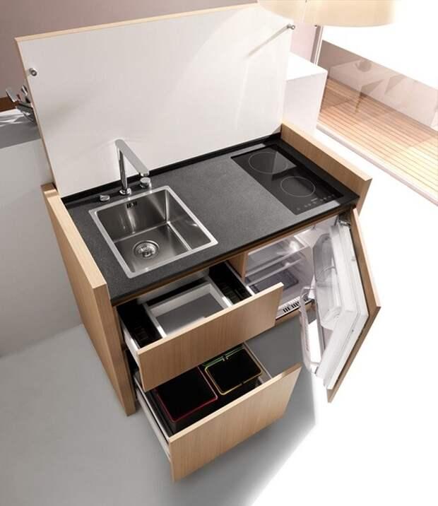 Портативный умывальник, холодильник и плита в одной модульной системе.