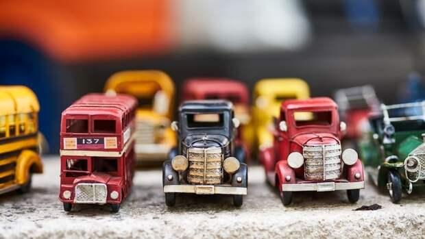 Главный педиатр Москвы назвал список самых опасных деталей игрушек