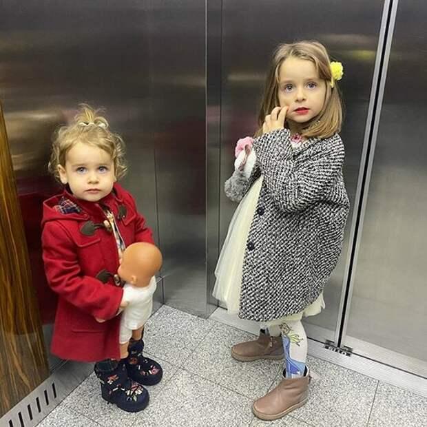 «Хочется быть длясвоего ребенка другом»: Анна Хилькевич овоспитании дочерей