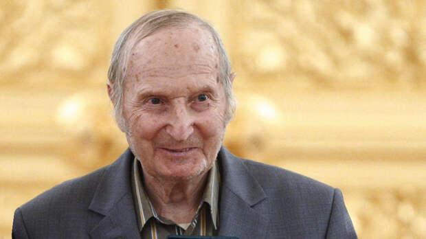 Умер первый чемпион мира в составе сборной СССР по хоккею Шувалов