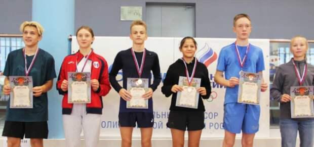 Спортсмены из Северного завоевали золото в турнире по троеборью
