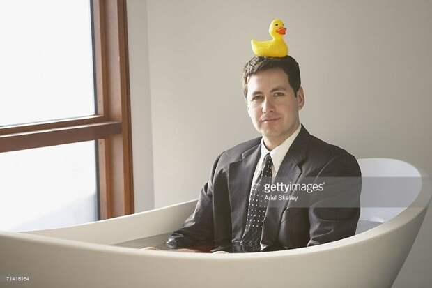 Бизнесмен в ванной