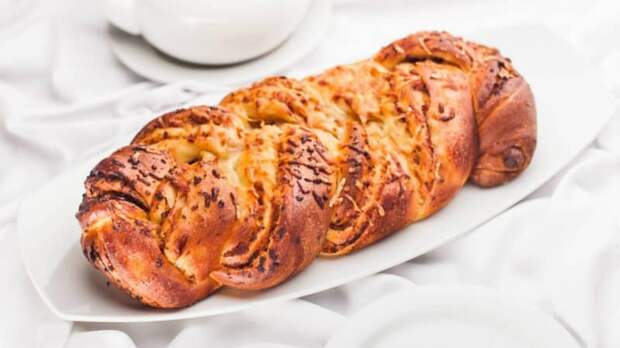 Булочка-плетёнка с начинкой. Ароматная и аппетитная альтернатива хлебу 3