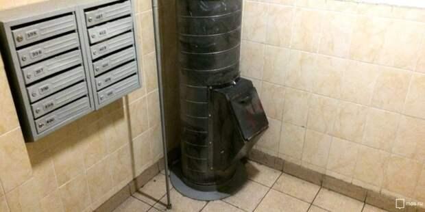 В подъезде дома в проезде Дежнёва отремонтировали мусоропровод