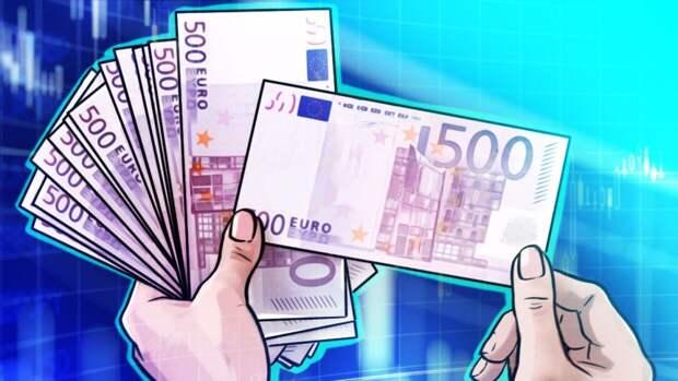 Российские банки ввезли максимальный объем евро за год