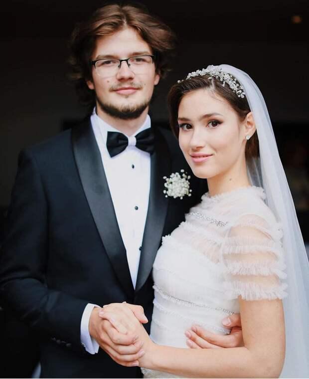 «Есть вещи, которые в моем понимании с браком несовместимы» — 19-летняя Дина Немцова о разводе с мужем