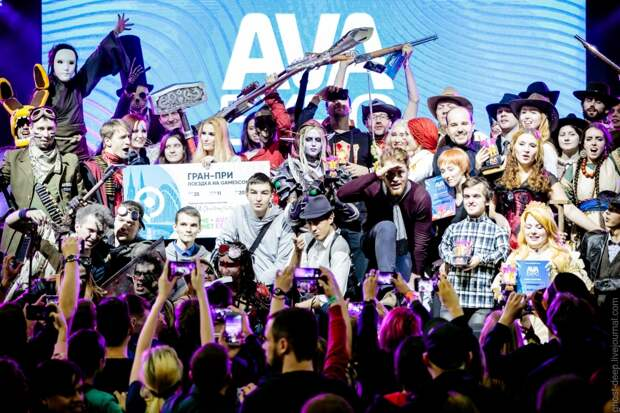 Косплей недели: LoL, BioShock, Overwatch, AVA Expo