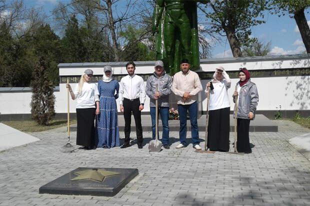 Чеченец, который продал свою квартиру и восстанавливает воинские кладбища