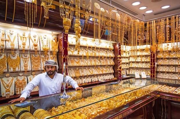 Гендиректор DMCC упрекает Швейцарию о ужесточении аудита импорта золота из ОАЭ