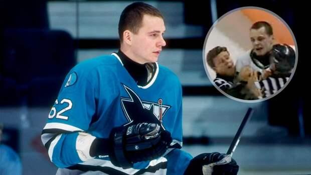 Легендарная драка русского хоккеиста Назарова. Он хотел побить канадского хулигана, но в итоге ударил в лицо судью