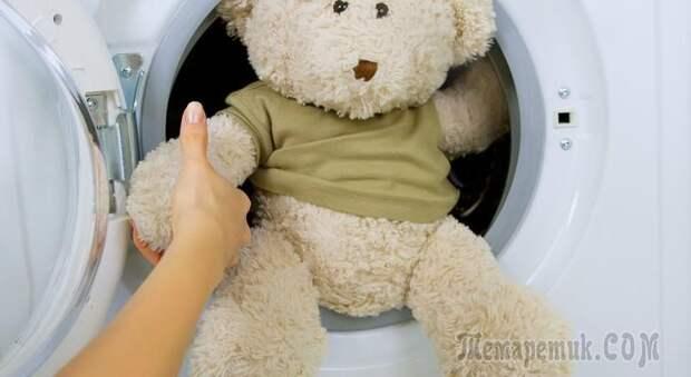 Как стирать мягкие игрушки: можно ли в стиральной машине-автомат, как правильно вручную, как почистить музыкальную, которую нельзя мочить, как сушить после стирки?
