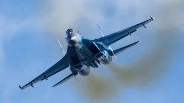 Российский Су-27 выполнил перехват трех французских самолетов над Черным морем