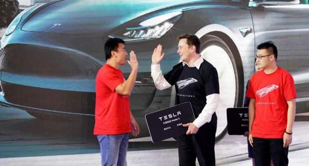 Продажи Tesla в Китае падают из-за экспорта электрокаров в Европу