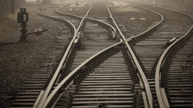 Грузовой поезд насмерть сбил несовершеннолетнего в Чите