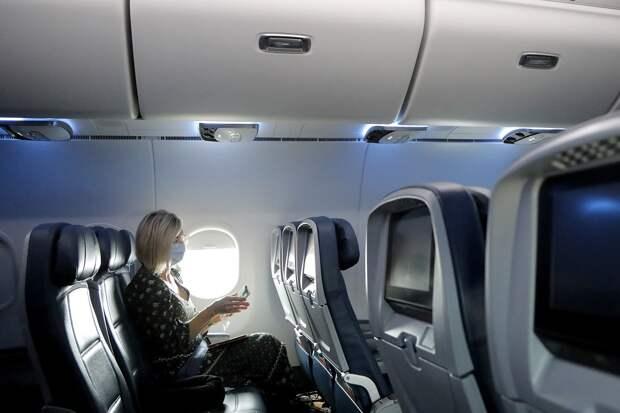 Ученые выяснили, какая рассадка в самолете самая безопасная во время пандемии