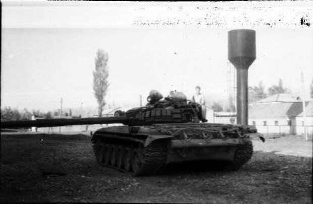 Танк спецназа МГБ. В 93 году после снятия фотографии, танк был подорван в Самтредия в боях со сторонниками президента Звиада Гамсахурдия. Экипаж погиб один из них боец Альфы. Фото из geo-army.ge