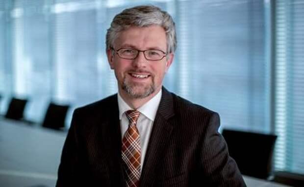 НА фото: украинский посол в Германии Андрей Мельник