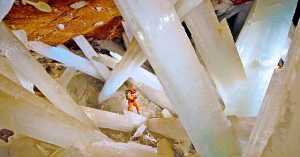 Взгляните - самый большой кристалл в мире!