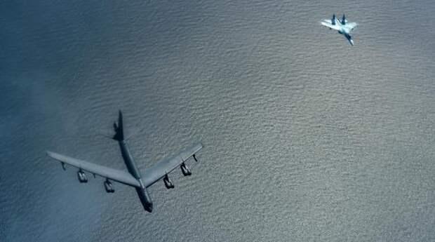 Значительно увеличилось число полётов бомбардировщиков B-52H ВВС США близ Калининградской области