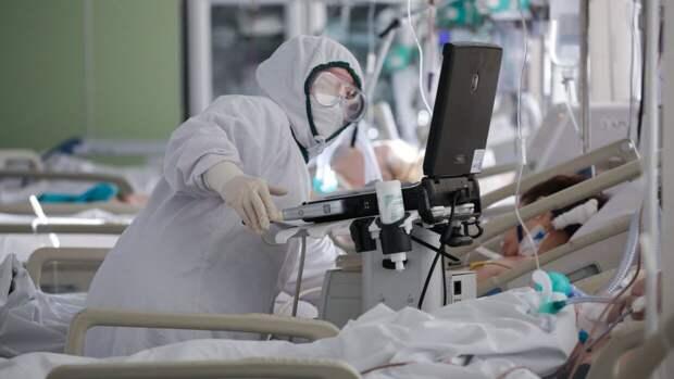 Российский иммунолог перечислил опасные последствия заражения легкой формой COVID-19