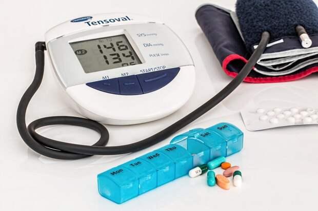 Доктор Мясников рассказал, почему не стоит часто измерять давление