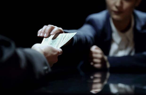 Госдума поддержала законопроект об изъятии коррупционных денег