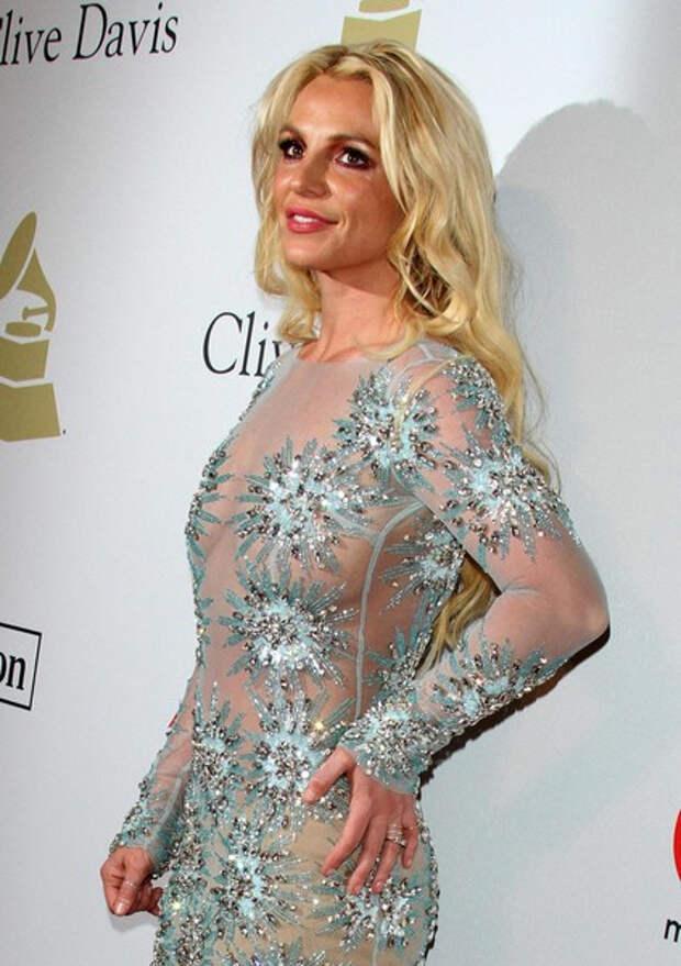 «Мне не позволили рожать и выходить замуж»: Бритни Спирс впервые выступила в суде в свою защиту
