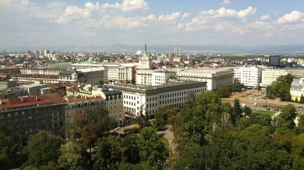 Власти Болгарии выслали двух российских дипломатов