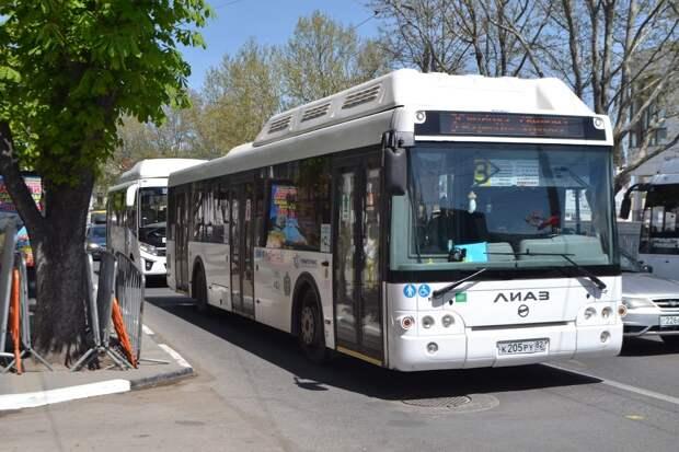 Глава Крыма посоветовал чиновникам чаще ездить в общественном транспорте