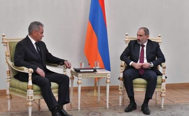 Шойгу проинформировал Пашиняна оконкретной задаче Путина поКарабаху