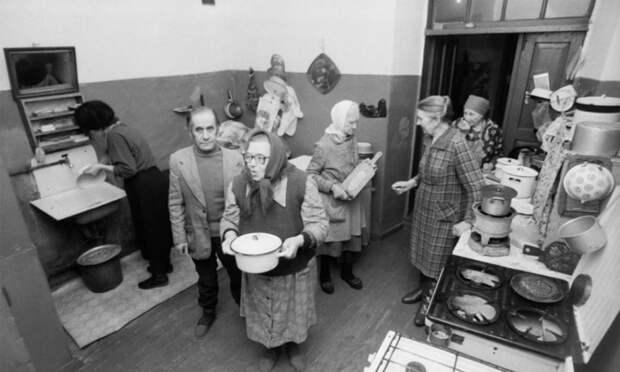 Когда в России появились первые коммунальные квартиры, и Как жили в них при СССР