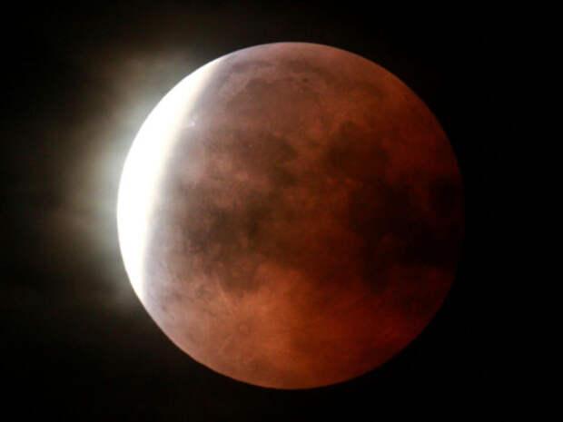 Что можно и что нельзя делать в лунное затмение 5 июля?
