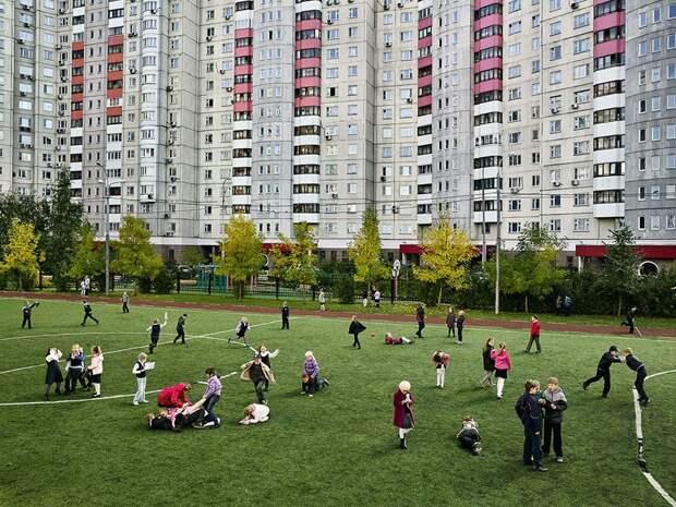От Москвы до Бутана: как выглядят школьные площадки в разных странах