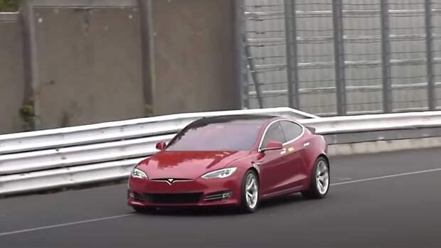 Компания Tesla перенесла на неделю старт производства седана Model S Plaid