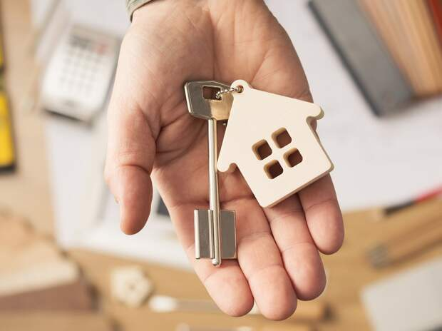 4 семьи, которых лишил дома ураган в Андреаполе, получили новые квартиры