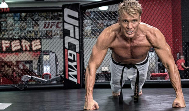 Тренировка Дольфа Лундгрена: герой боевиков показывает свои упражнения