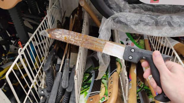 Купил ржавую ножовку за бесценок и попытался восстановить её с помощью лимонов. Показываю, что получилось.