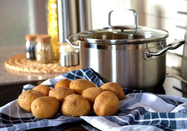 Украинцам придется есть борщ с одной картошкой из-за роста цен