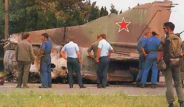 Полицейские долго не понимали, откуда в Бельгии непилотируемый советский самолет. /Фото: agenda-u.org