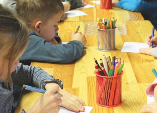 В нерабочие дни в детских садах и яслях в России откроют дежурные группы